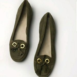Talbots Olive Green Suede Flat Tassel Loafers